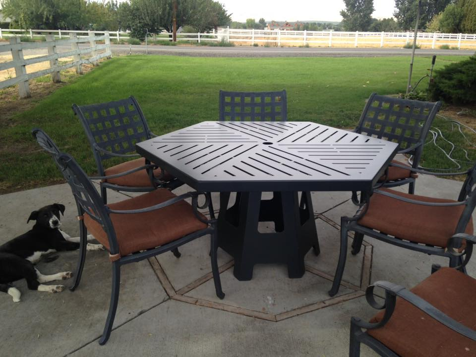 Image of: Hexagon Patio Table Ideas
