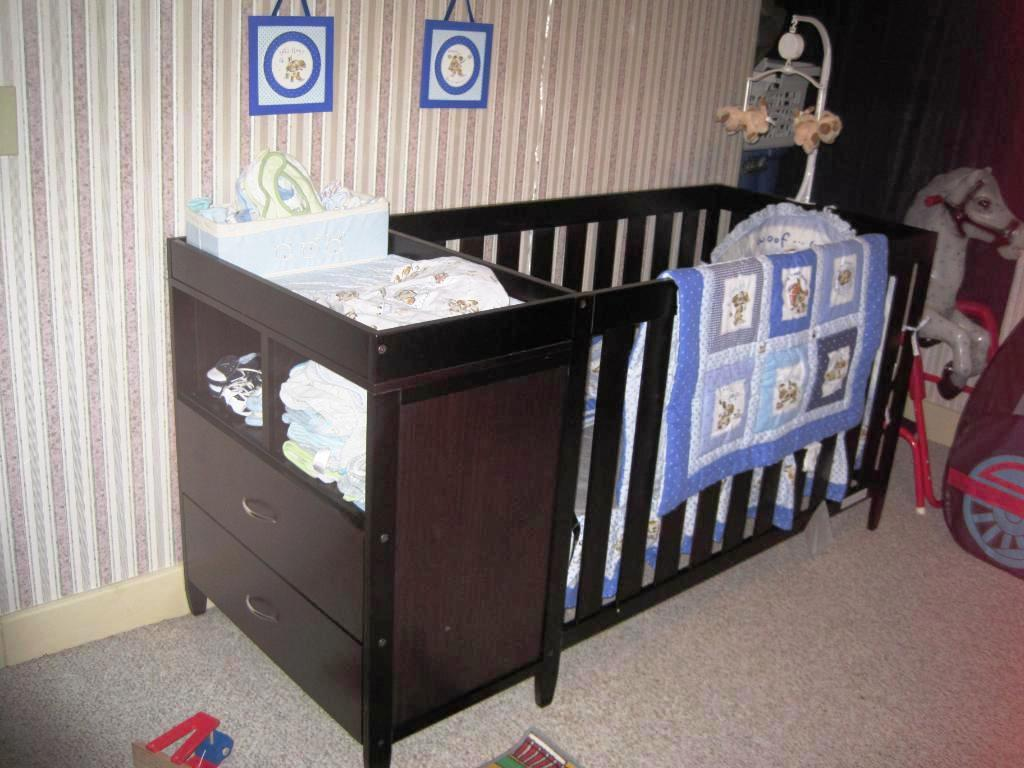 Image of: Ikea baby Changing Table Dresser Combo