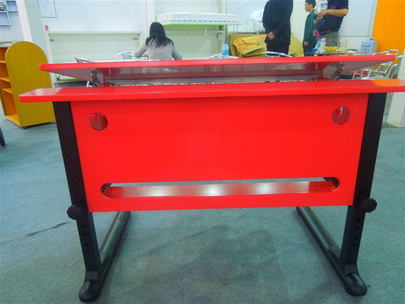 Kids Drafting Table Red