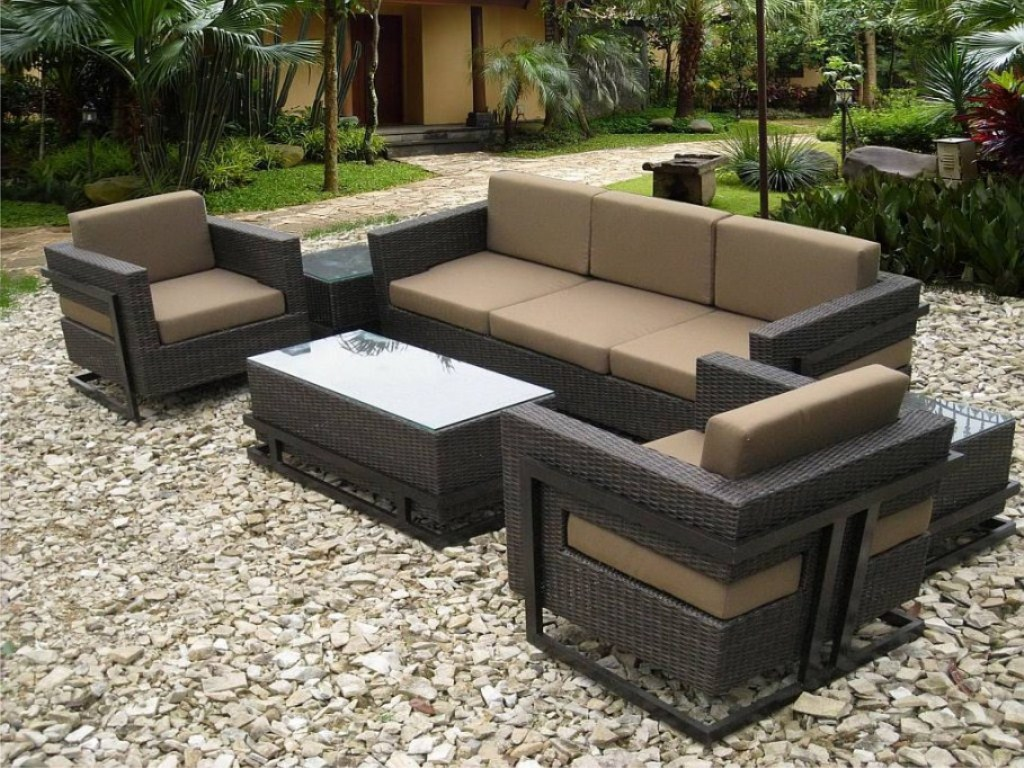 Picture of: Modern Patio Furniture with Fire Pit Table