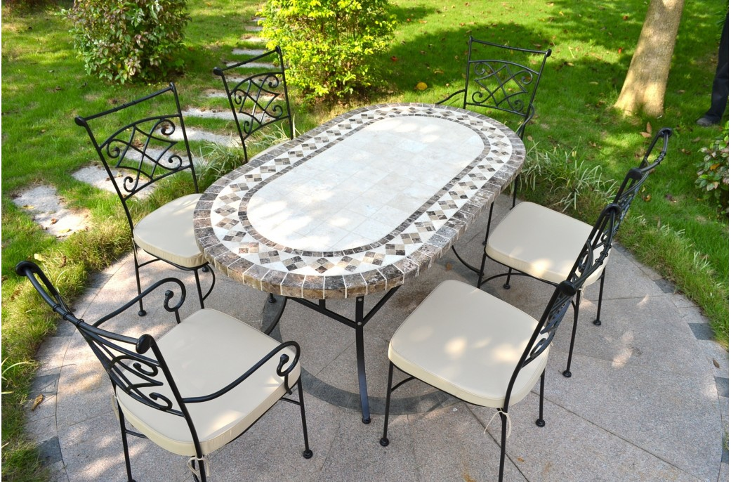 Image of: Mosaic Oval Patio Table Design