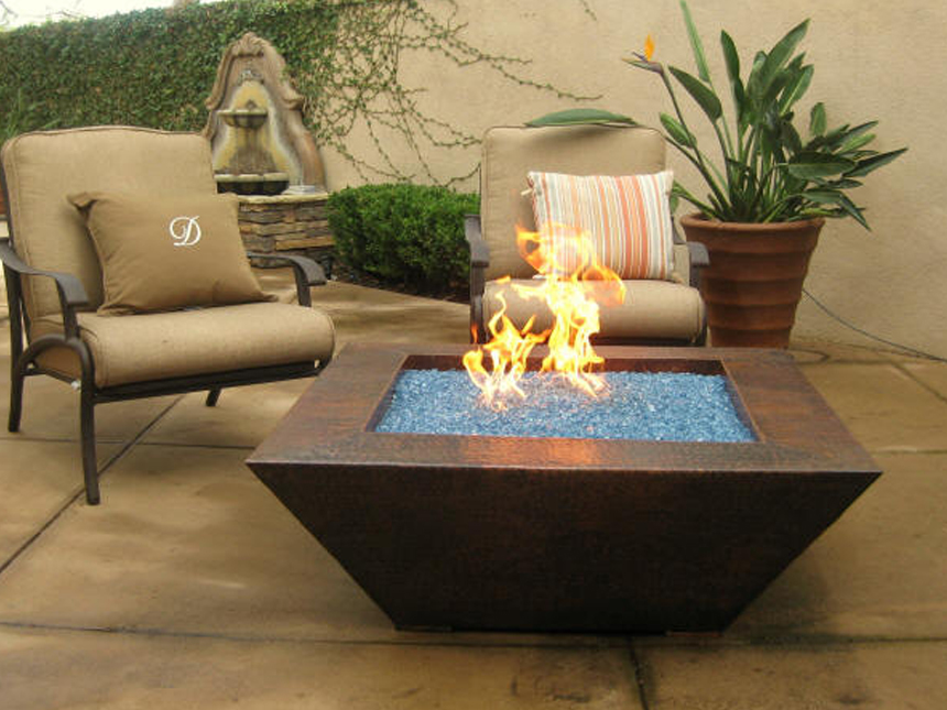 Image of: New Outdoor Firepit Table Design