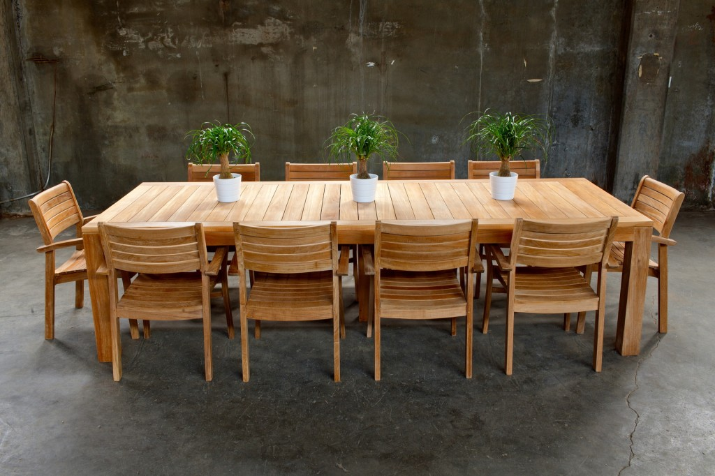 Image of: Nice Teak Patio Table