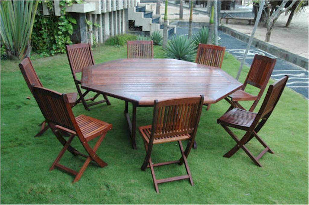 Picture of: Octagon Patio Table Modern