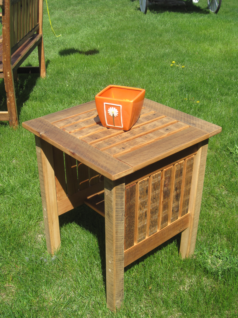 Image of: Outdoor Patio Side Table