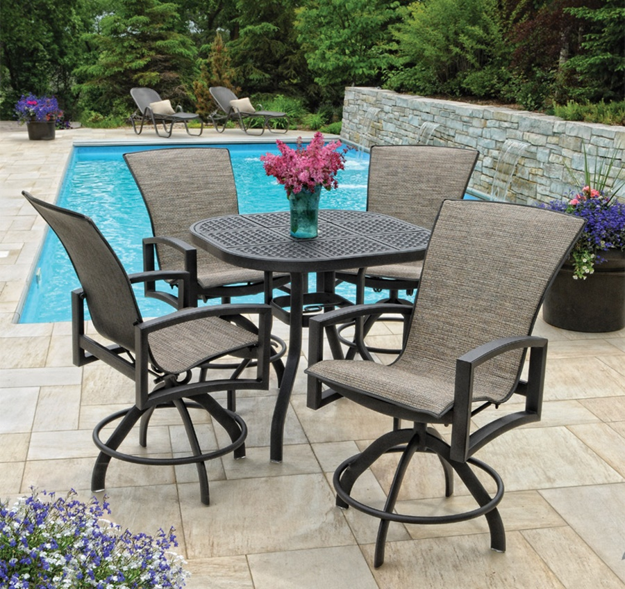 Image of: Patio Bar Height Table  And Chairs