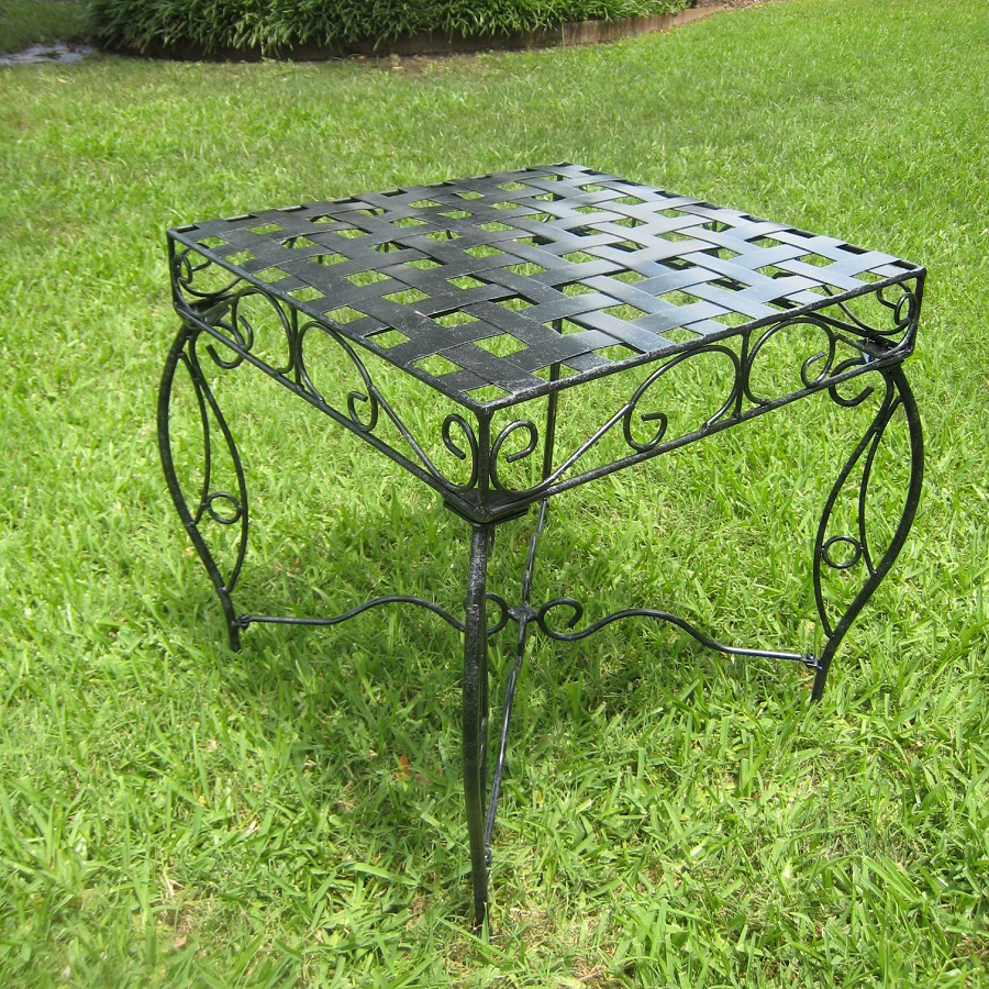 Image of: Patio Side Table Design