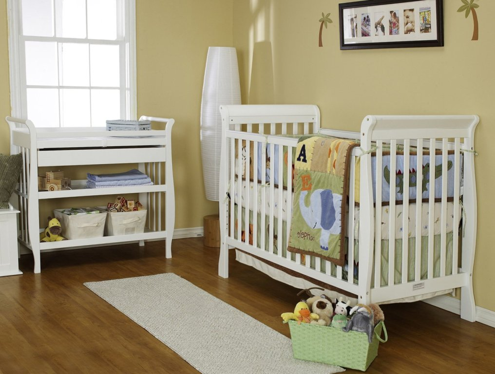Image of: Simple Davinci Changing Table