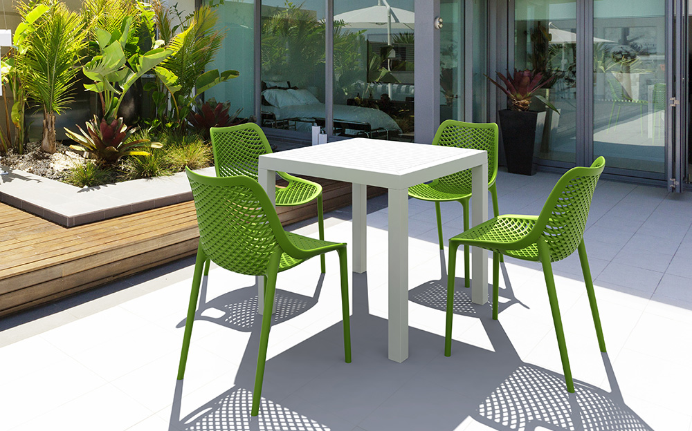 Image of: Simple Resin Patio Table