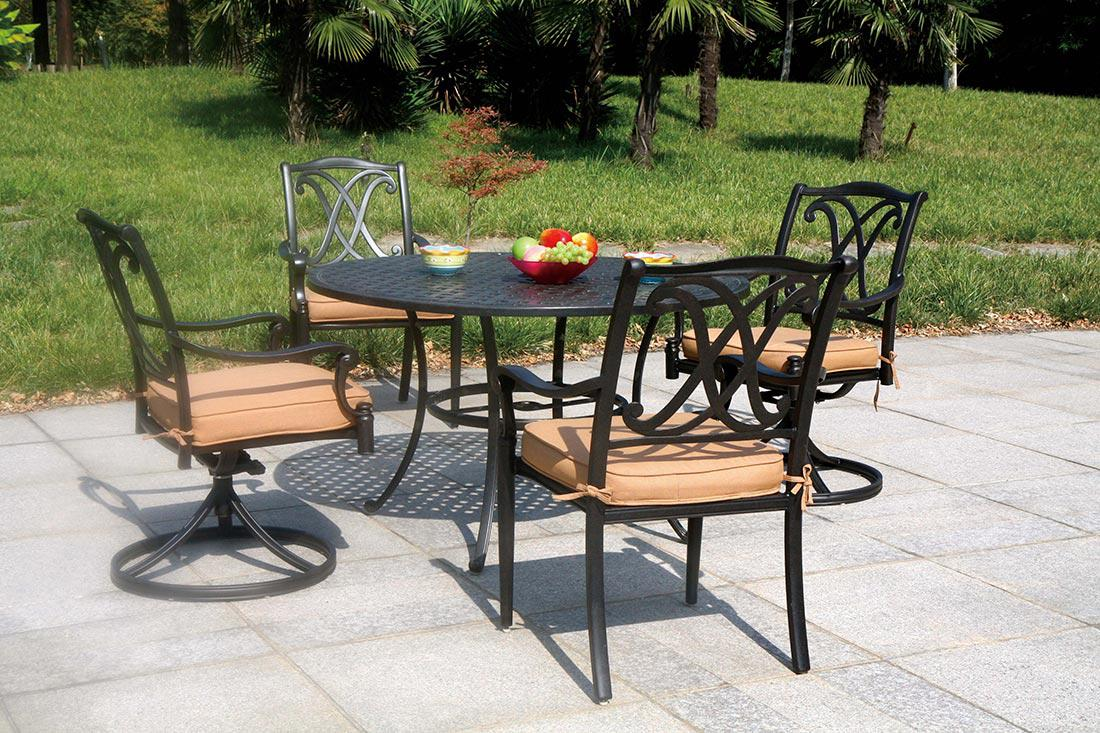 Image of: Small Cast Aluminum Patio Table