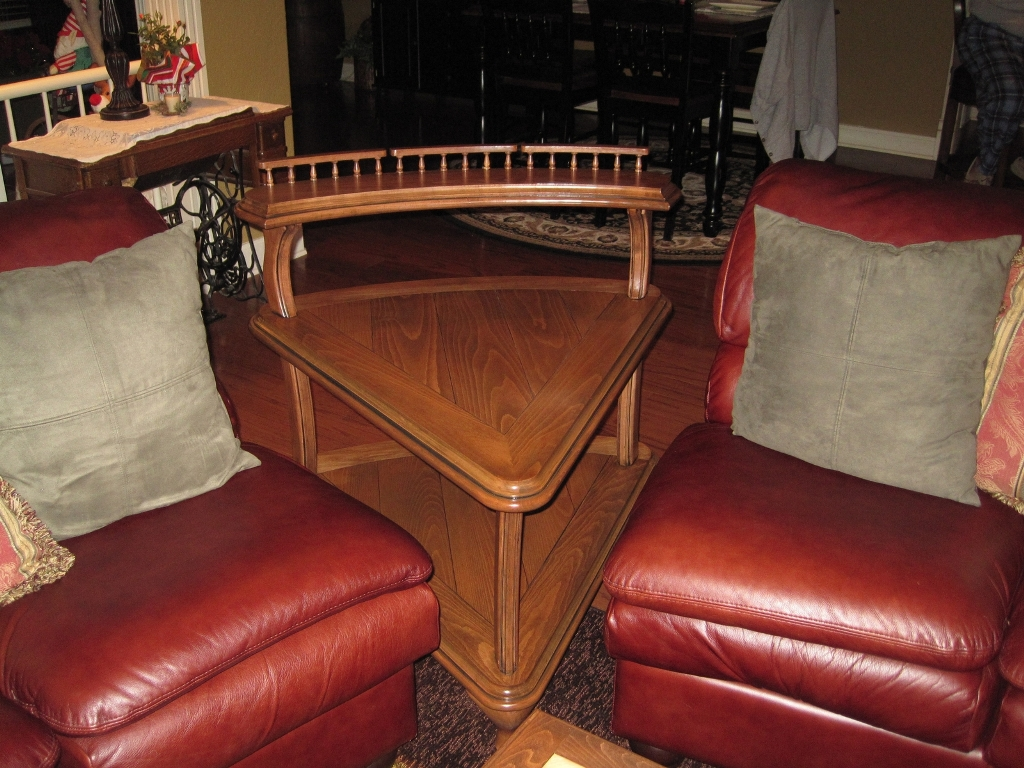 Image of: Corner Wedge End Table