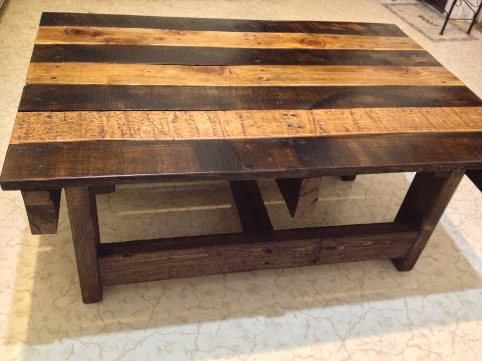 Image of: Good Wood Coffee Table with Metal Leg
