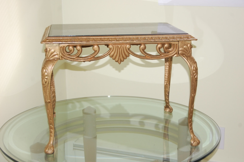 Image of: Metal and Glass Accent Table