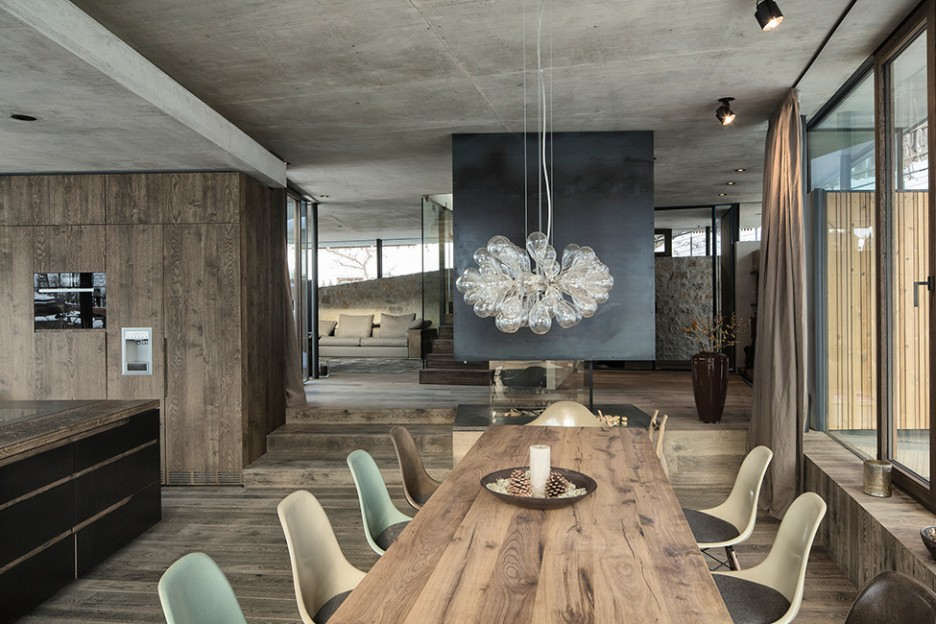 Picture of: best salvaged wood dining table