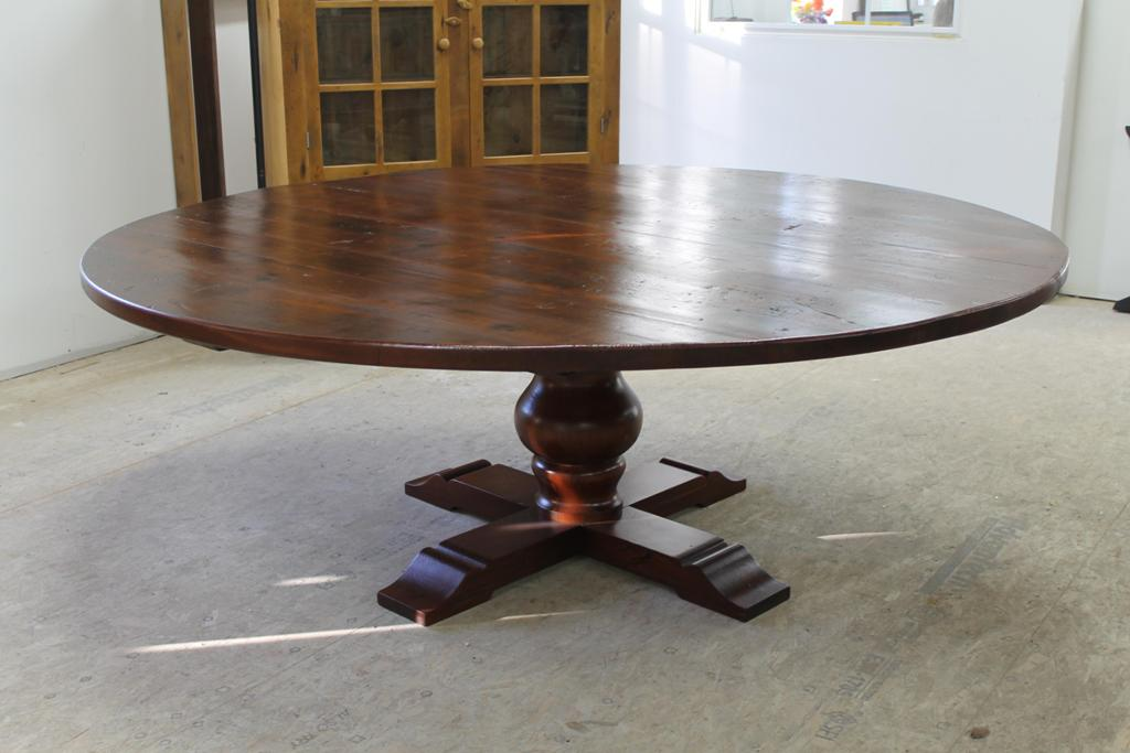 Picture of: large reclaimed wood round dining table