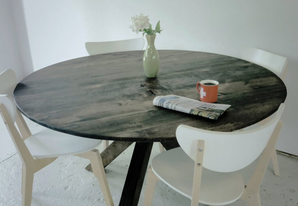 Picture of: reclaimed wood round dining table pictures