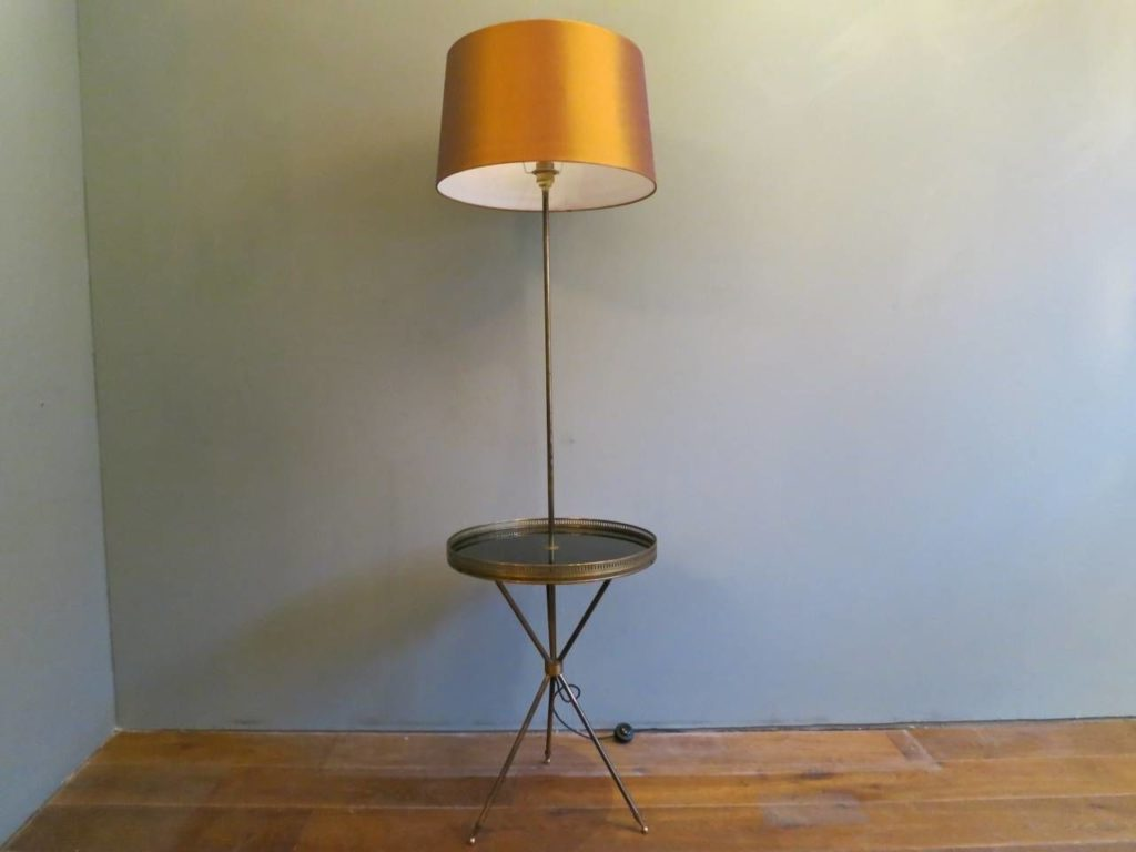 Picture of: Rustic Floor Lamp with Table