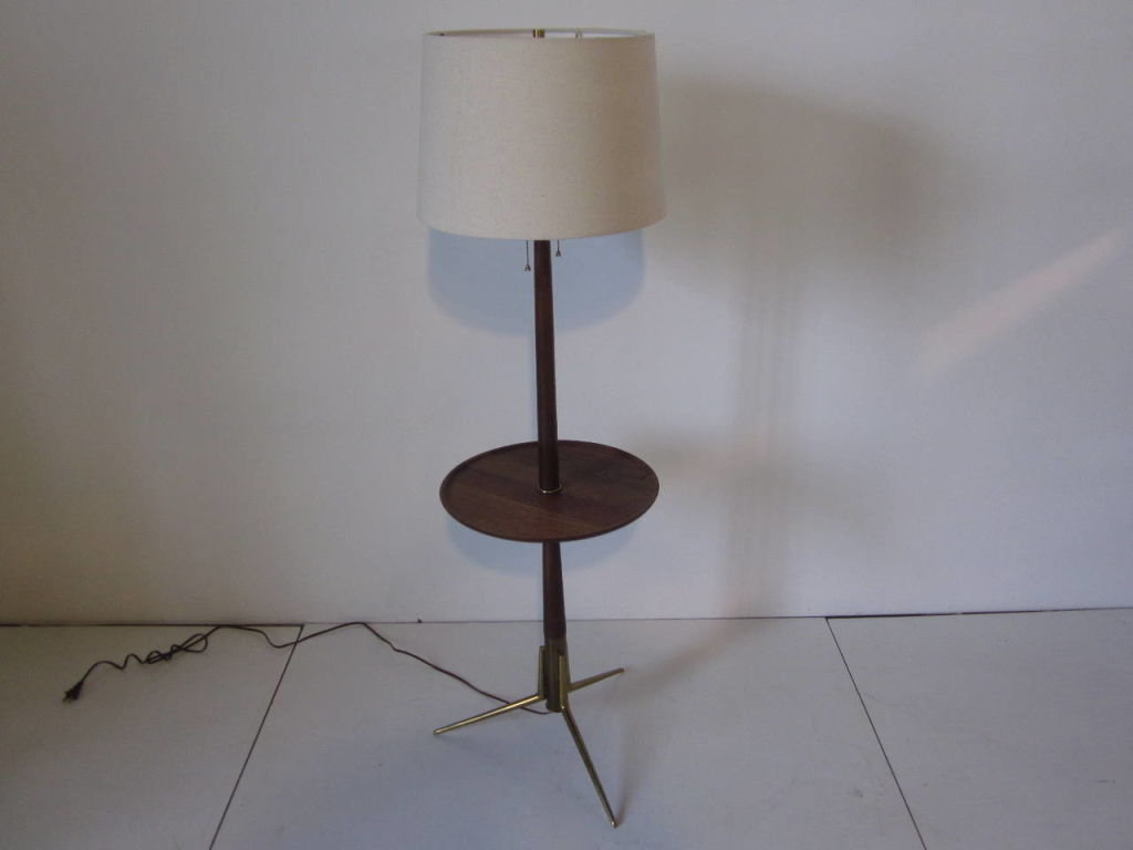 Image of: Simple Floor Lamp with Table
