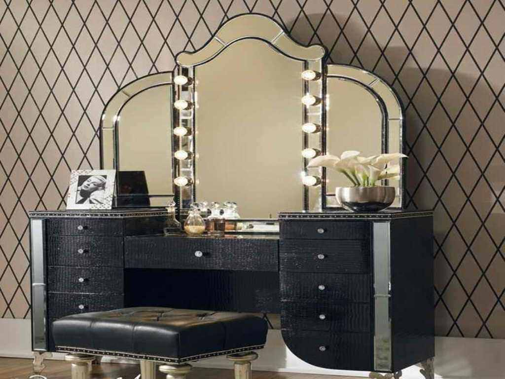 Image of: Makeup Vanity Table with Lights in the Sky