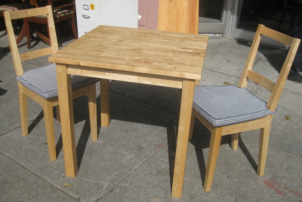 Picture of: Butcher Block Table And Chairs