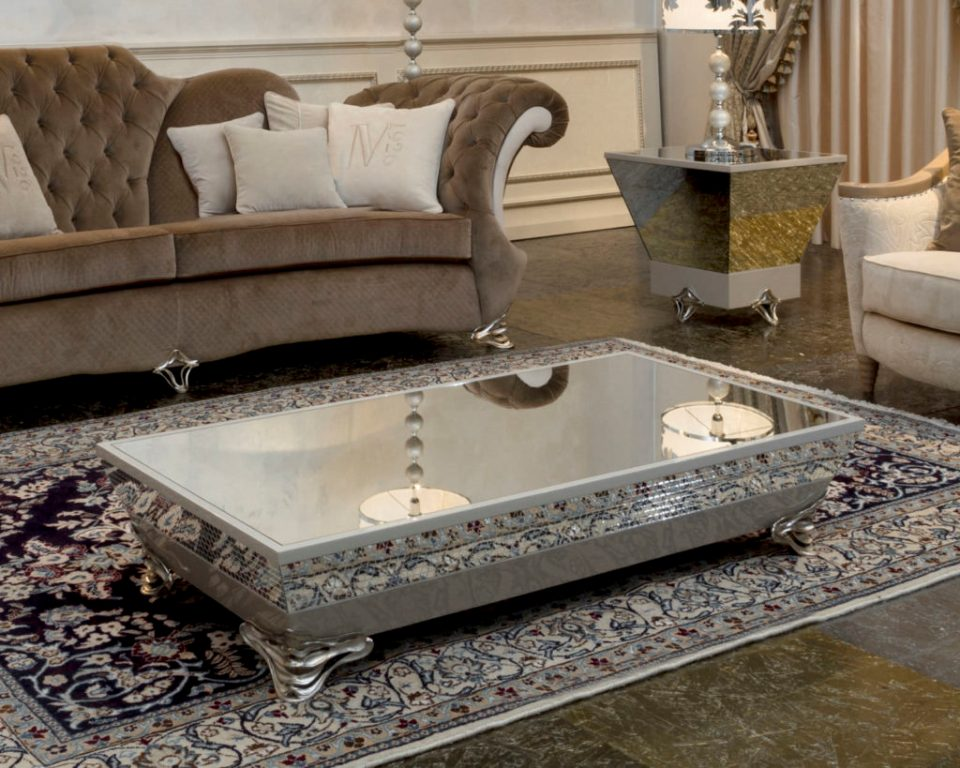 Image of: Mirror Coffee Table Decoration