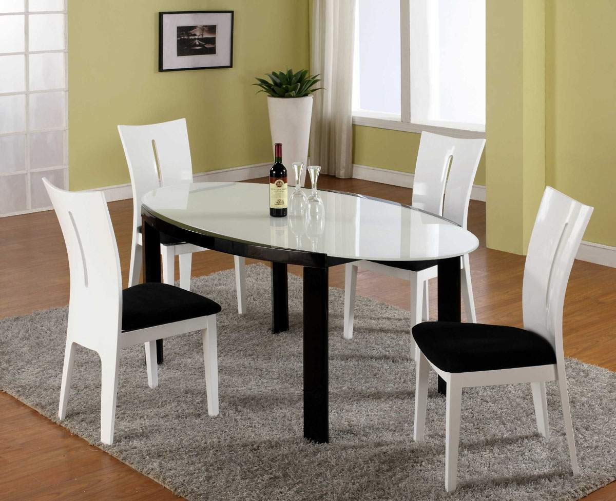 Picture of: Black and White Oval Dining Room Table