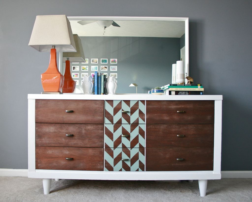 Picture of: DIY Mid Century Modern Table