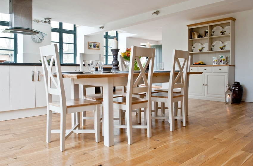 Image of: Extendable Dining Table Set Oak