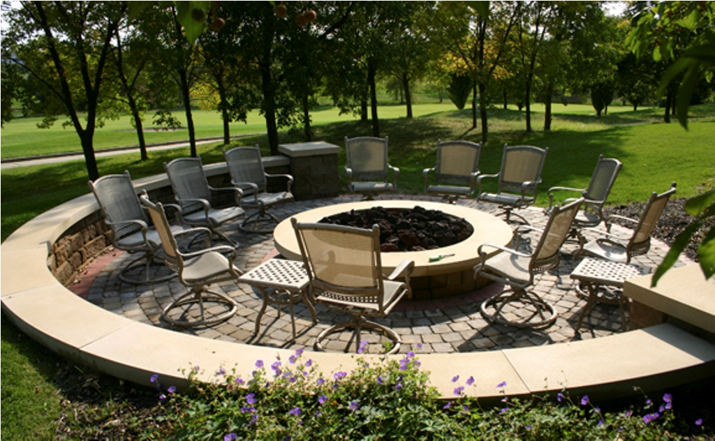 Image of: Fire Pit Dining Table Set