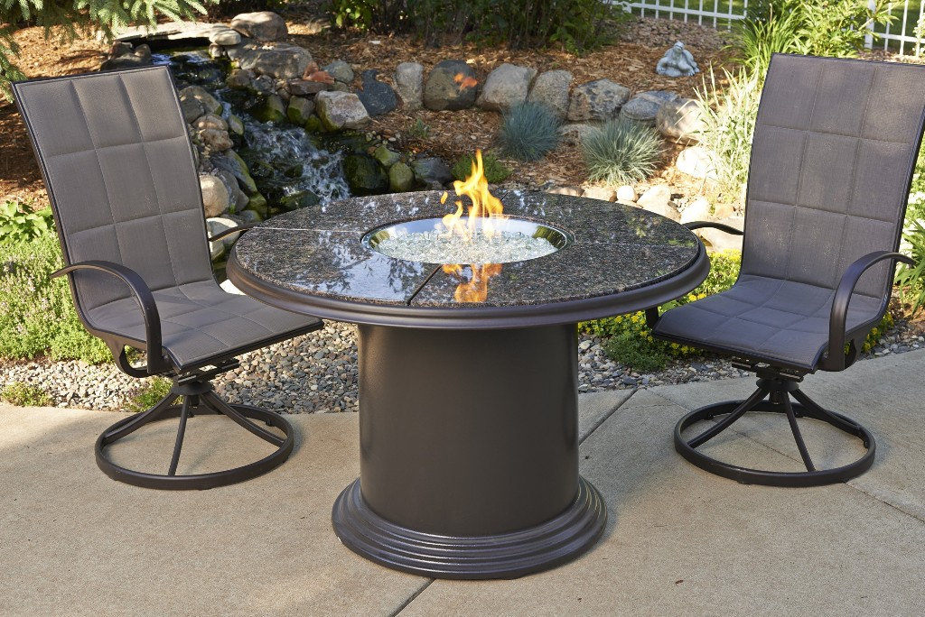 Image of: Fire Pit Dining Table and Chairs