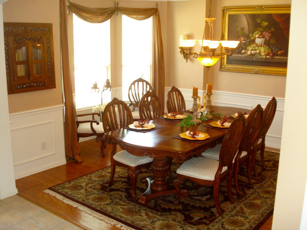 Image of: Formal Dining Room Tables and Chairs