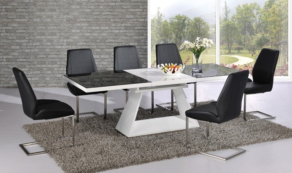 Image of: Modern Extendable Dining Table Set