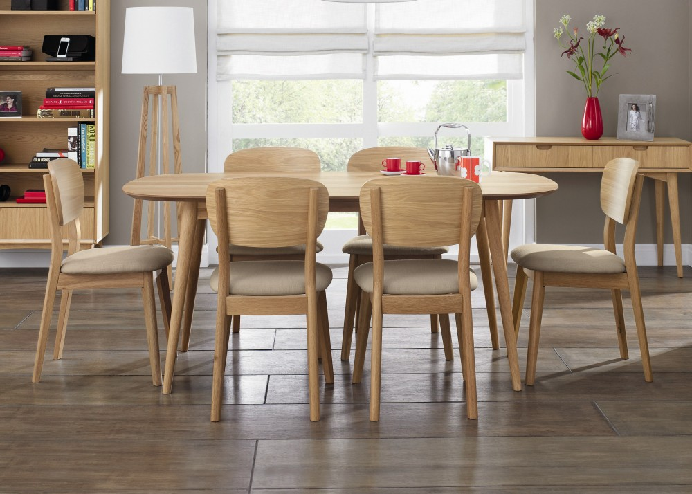 Image of: Oval Wood Extendable Dining Table Set