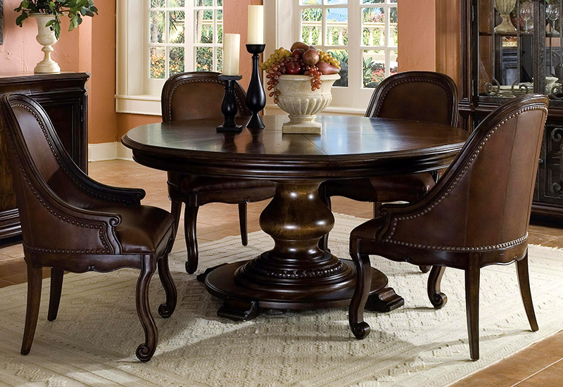 Image of: Round Dining Room Tables with Leaves Ideas