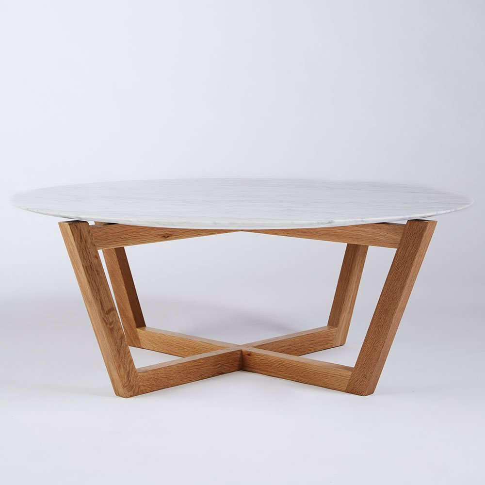 Image of: Round Wood Coffee Table Oak