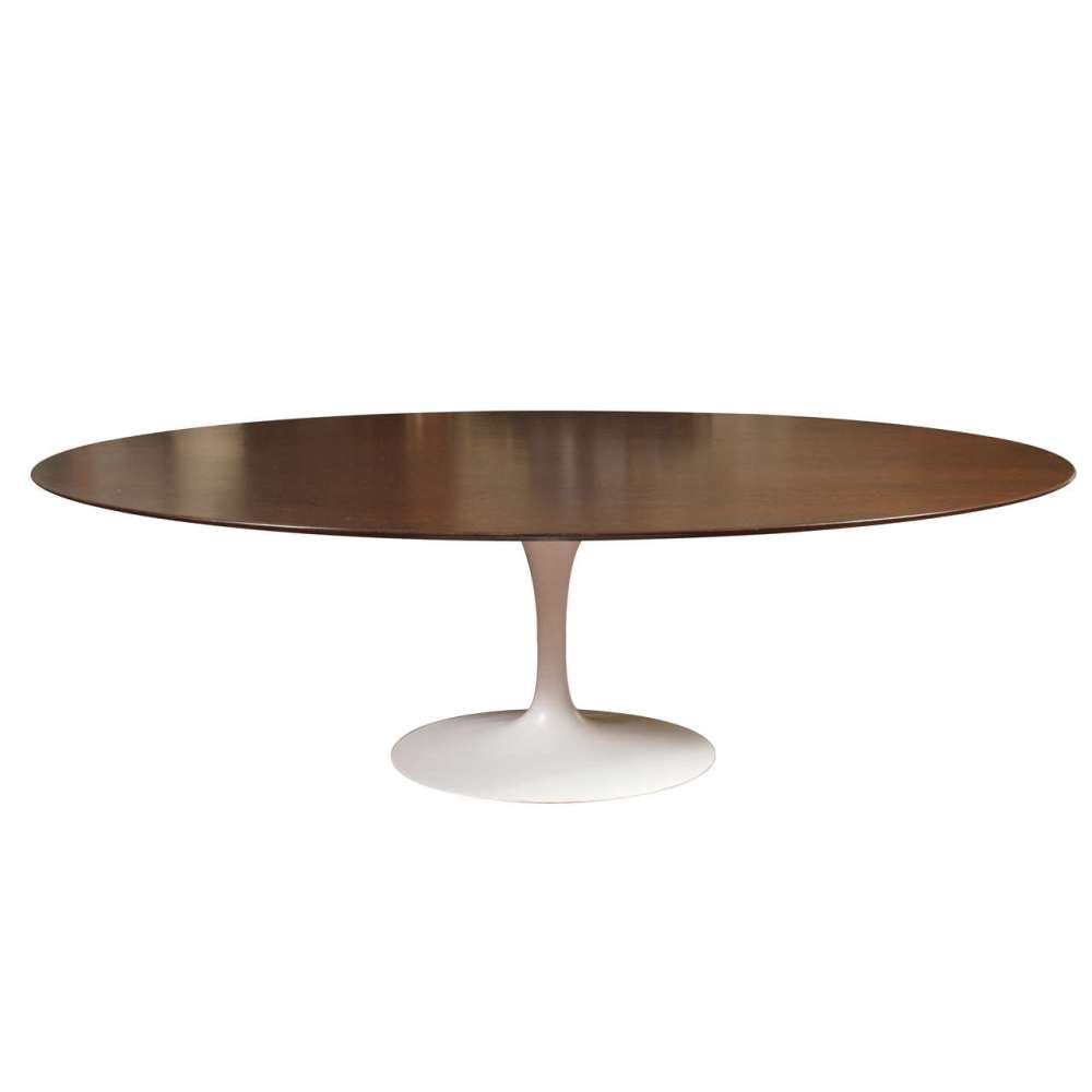 Picture of: Saarinen Oval Dining Table Style