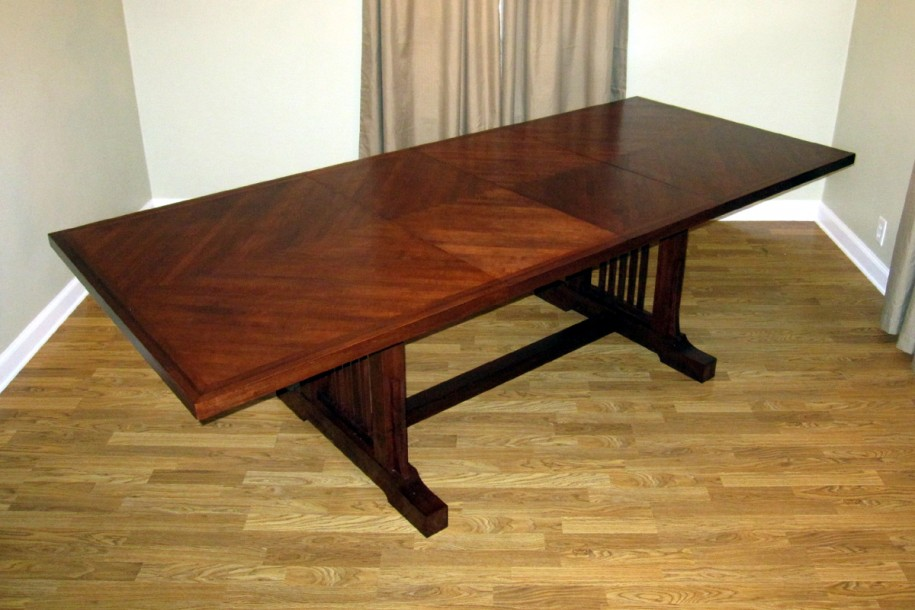 Picture of: wonderful dining room table with leaf