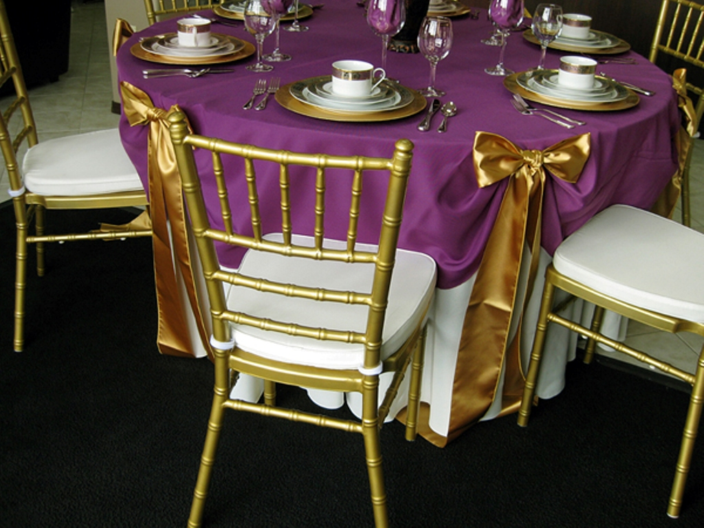 Picture of: 48 Inch Round Tablecloth