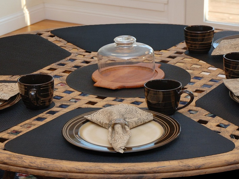 Picture of: Amazing Placemats for Round Table