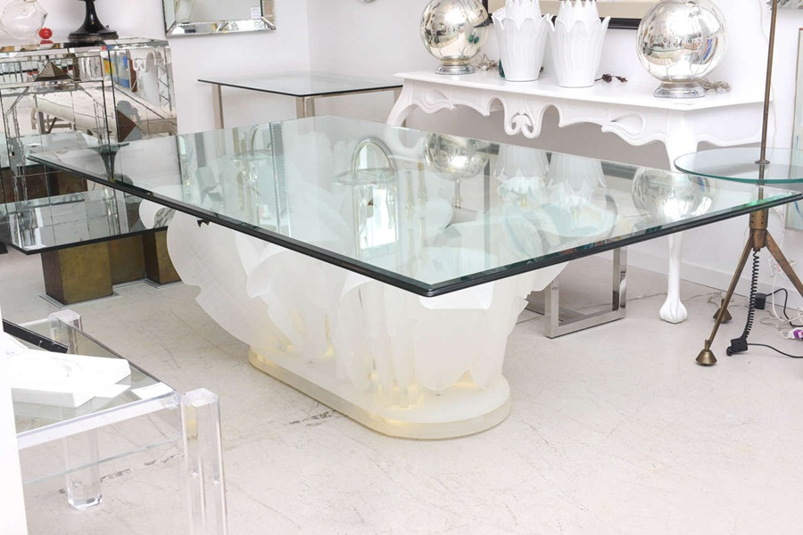 Image of: Awesome Lucite Dining Table