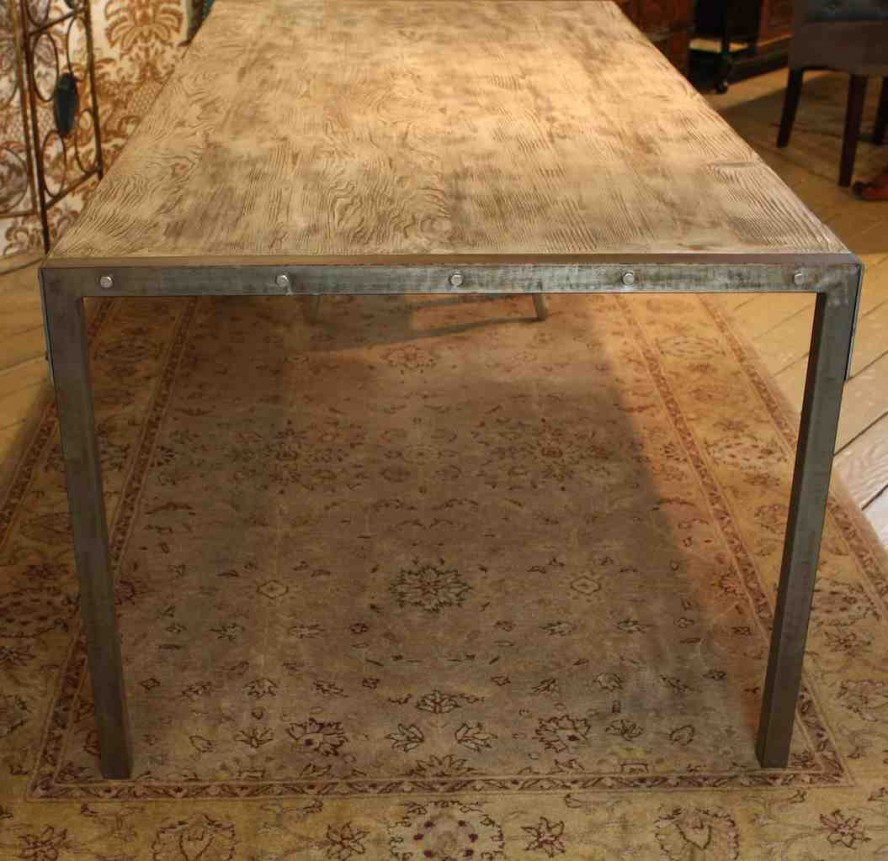 Picture of: Awesome Reclaimed Wood Dining Table Metal