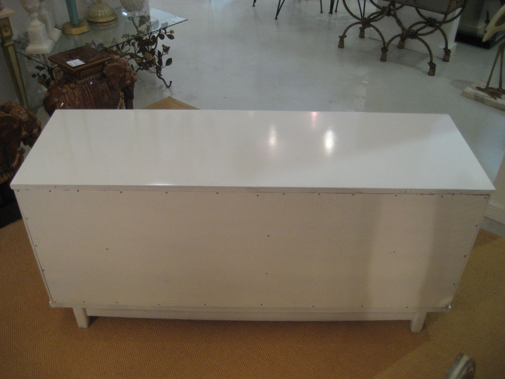 Picture of: Awesome White Lacquer Console Table