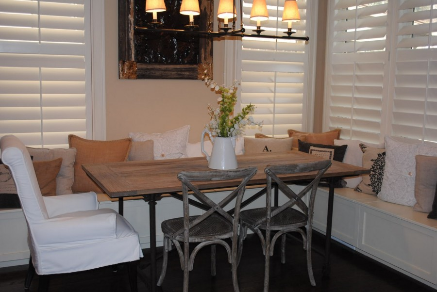 Picture of: Beautiful Restoration Hardware Dining Table