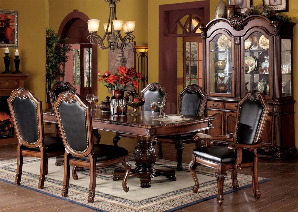 Image of: Cherry Wood Dining Table Room