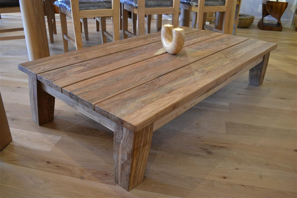 Picture of: Classic Reclaimed Wood Coffee Table