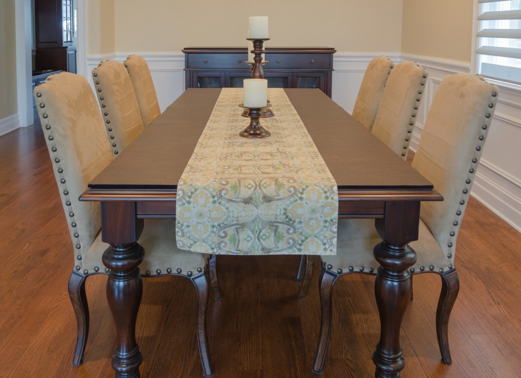 Image of: Custom Pads for Dining Room Table