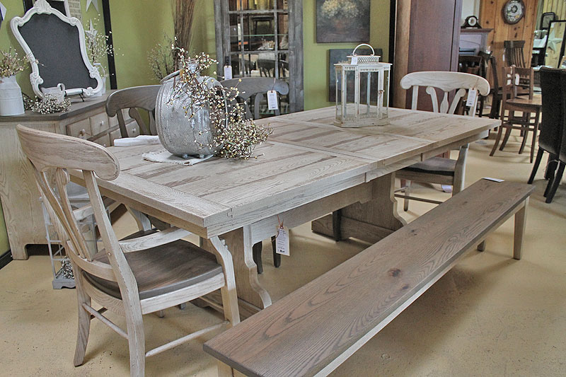 Picture of: Distressed Dining Room Table Paint
