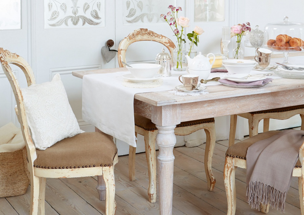 Image of: Distressed Dining Room Table Type