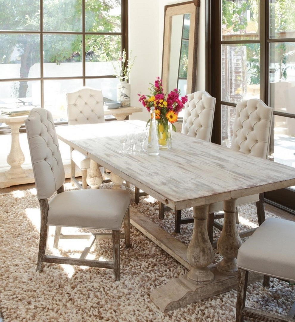 Picture of: Distressed Dining Room Table White