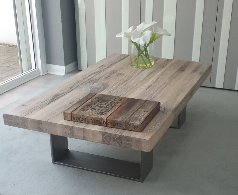 Picture of: Distressed Wood Coffee Table Ideas